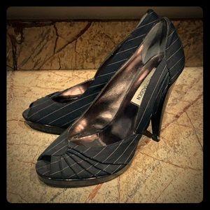 Peep toe stiletto